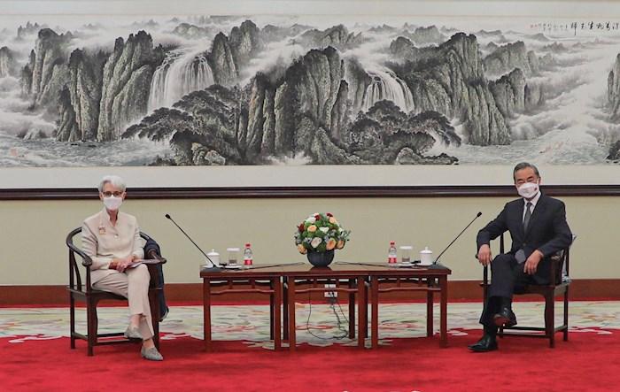 El régimen chino convierte las reuniones entre Estados Unidos y China en un ataque de propaganda