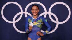 Gimnasta olímpica de Brasil que inició su carrera en un programa social, gana medalla de plata en Tokio