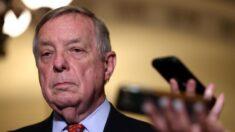 """Hay """"muchos problemas"""" con el elegido por Biden para director de ATF, dice senador Dick Durbin"""