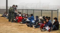Agente fronterizo de EEUU dice que datos del CBP no reflejan alcance del problema de familias falsas