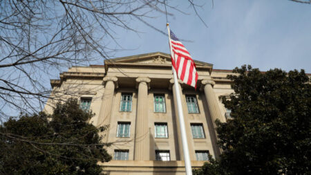 Dpto. de Justicia retira a 5 investigadores los cargos de ocultar afiliaciones militares con China