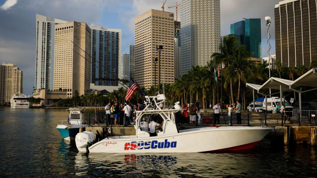 """Una """"flotilla de apoyo a Cuba"""" zarpa hoy de Miami"""