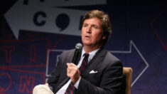 "Tucker Carlson afirma que fue ""desenmascarado"" por la NSA cuando quiso entrevistar a Putin"