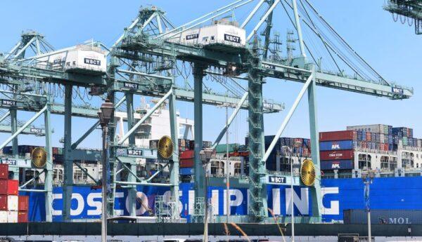 El aumento repentino de las importaciones eleva el déficit comercial de EE.UU. a un nivel récord
