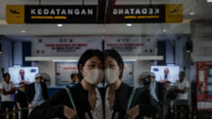 El régimen chino impide que los chinos en Indonesia regresen a su país
