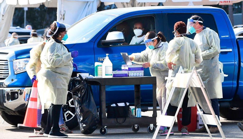 Universidad Estatal de California exigirá vacuna a estudiantes y personal