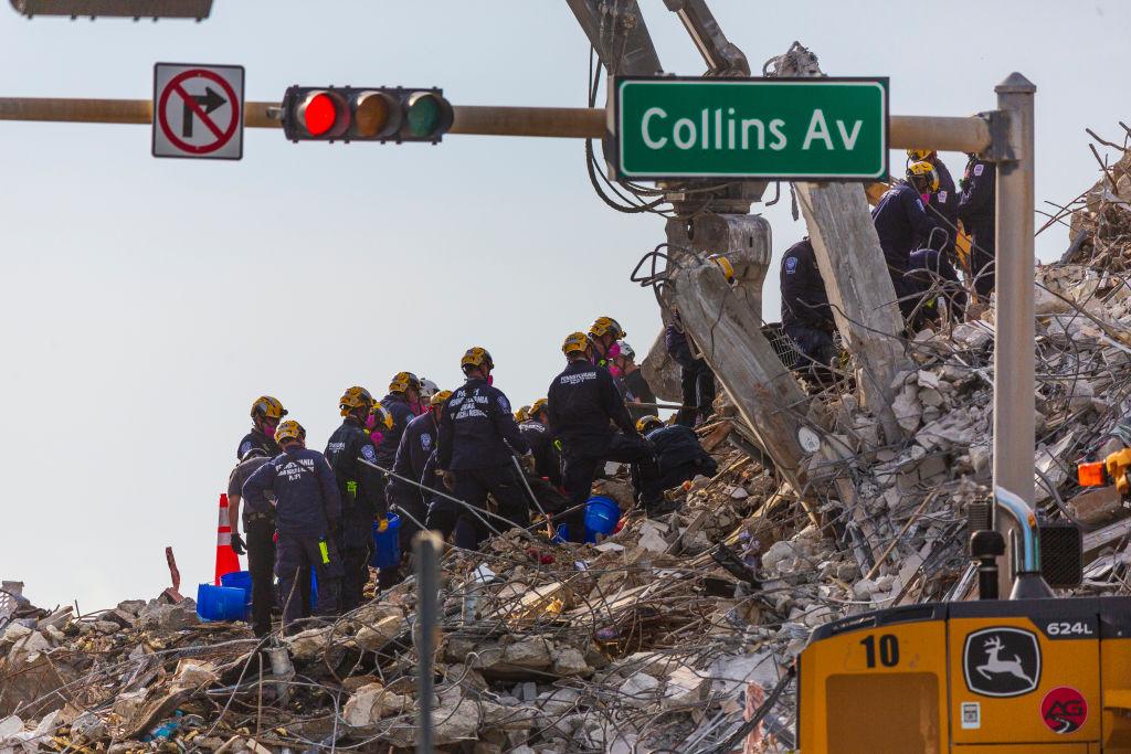 Finaliza tarea de recuperación de cuerpos en derrumbe de edificio en Miami