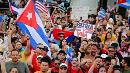 """Empresarios exiliados solo invertirán en una Cuba libre de """"tiranía"""""""