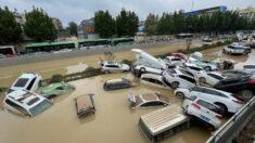 Sobreviviente relata como huyó de la inundación en el metro de China
