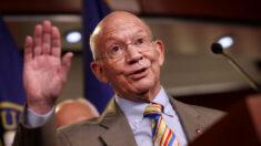 Algunos demócratas se oponen al paquete bipartidista de infraestructura