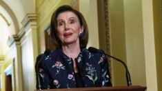 Pelosi elige a Kinzinger, crítico de Trump, para comité sobre el 6 de enero