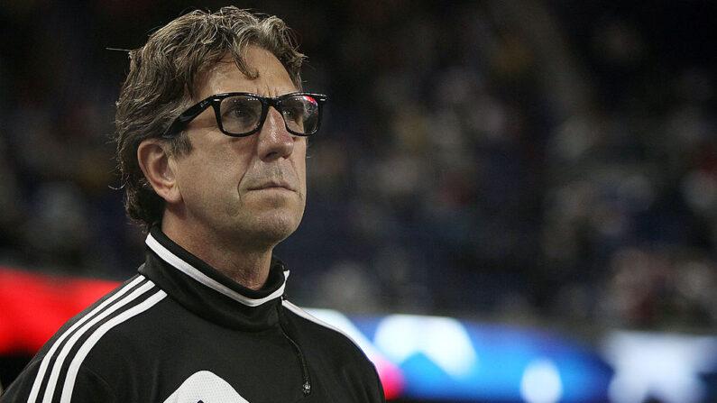 El entrenador Paul Mariner del Toronto FC mira antes de un partido contra los New York Red Bulls en el Red Bull Arena el 29 de septiembre de 2012 en Harrison, Nueva Jersey (EE.UU.). (Alex Trautwig/Getty Images)