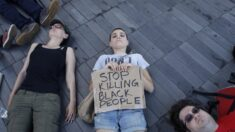 Cómo la ideología protege a los jóvenes para que no maduren nunca