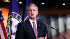 """McCarthy pide investigar a NSA tras denuncia de espionaje de Tucker Carlson y otros hechos """"preocupantes"""""""