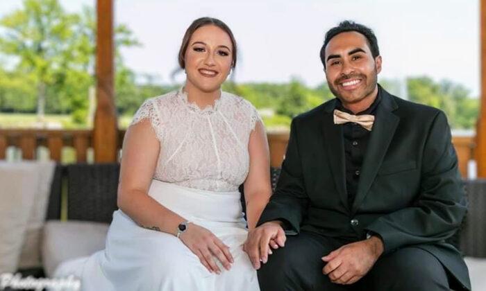 Hombre con un raro cáncer se casa con el amor de su vida tras enterarse que le quedan meses de vida