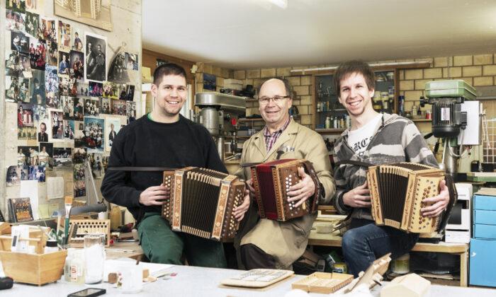 Samuel Reist, Hansruedi Reist y Richard Reist. (Reist AG)
