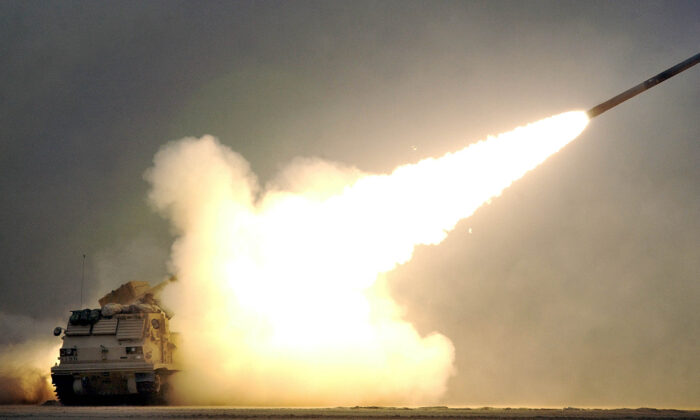 Condenan a ingeniero eléctrico a 5 años de prisión por vender tecnología de misiles a China