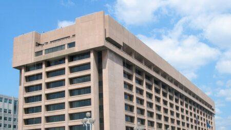 Espionaje de USPS se conocerá a fondo si corte acepta demanda de Judicial Watch basada en FOIA