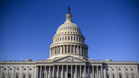Tesoro de EEUU alcanzará el techo de la deuda en noviembre, dice Oficina de Presupuesto del Congreso