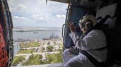Armada ayuda a una viuda a celebrar su 100° cumpleaños cumpliendo su sueño de volar en helicóptero