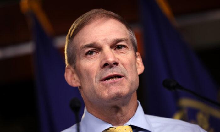 El representante estadounidense Jim Jordan (R- Ohio) habla en una conferencia de prensa en Washington, el 21 de julio de 2021. (Kevin Dietsch/Getty Images)