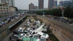 Conductor recuerda su afortunada huida de un túnel en una ciudad china inundada