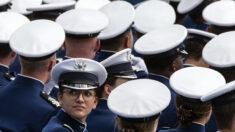 Congresistas piden destituir docente de Fuerza Aérea que dice enseñar la teoría crítica de la raza