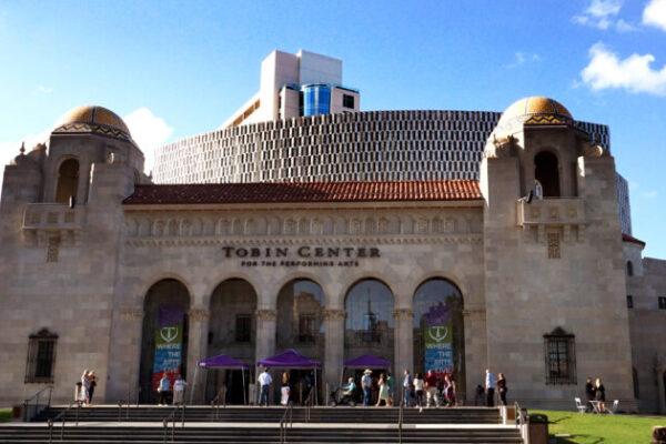 Público de San Antonio elogia la labor y excelencia de Shen Yun
