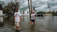 Rescatistas salvan a cientos de personas en toda Luisiana atrapadas por la devastación de Ida