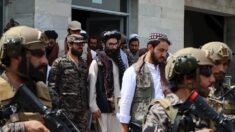 Talibanes asesinan a cantante folclórico tras anunciar prohibición de la música en Afganistán