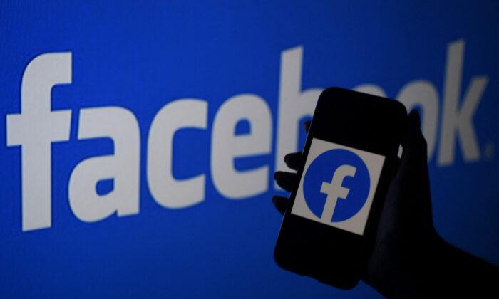 """Los CDC y Facebook """"coordinaron estrechamente"""" censura de """"desinformación"""" de COVID-19: Grupo observador"""
