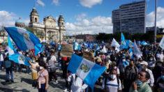 Guatemaltecos vuelven a movilizarse en todo el país en contra del Gobierno