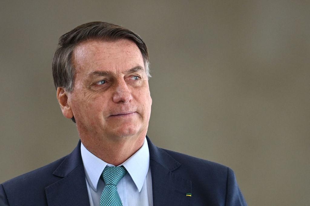 Youtube suspende cuenta de Bolsonaro por vincular vacunas anti-covid con el sida