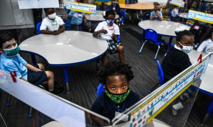 """Los CDC advierten de """"alarmante"""" aumento de obesidad infantil durante pandemia"""
