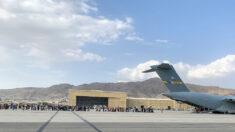 """""""No hay forma posible"""" de evacuar a todos los estadounidenses de Kabul antes del 31/8, dice McCarthy"""