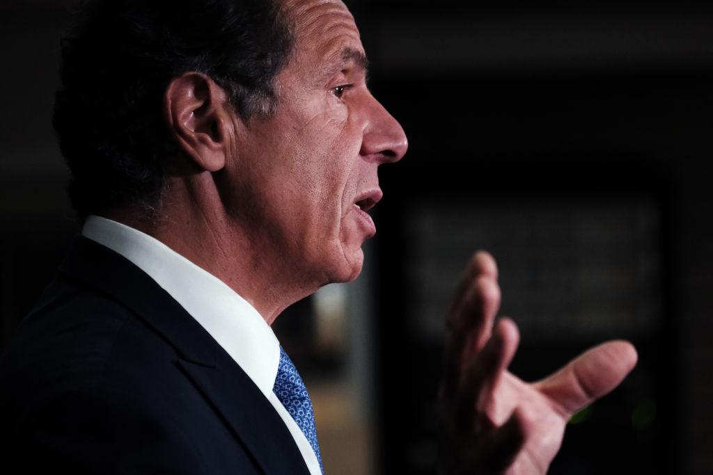 """Investigación de impeachment a Cuomo avanzará """"lo más rápido posible"""", dice Pdte. de Asamblea de NY"""