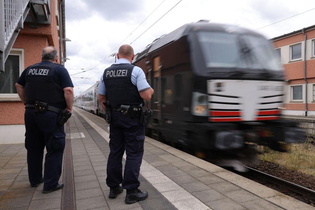 Relator de ONU investiga reportes de brutalidad policial hacia manifestantes alemanes contra confinamiento