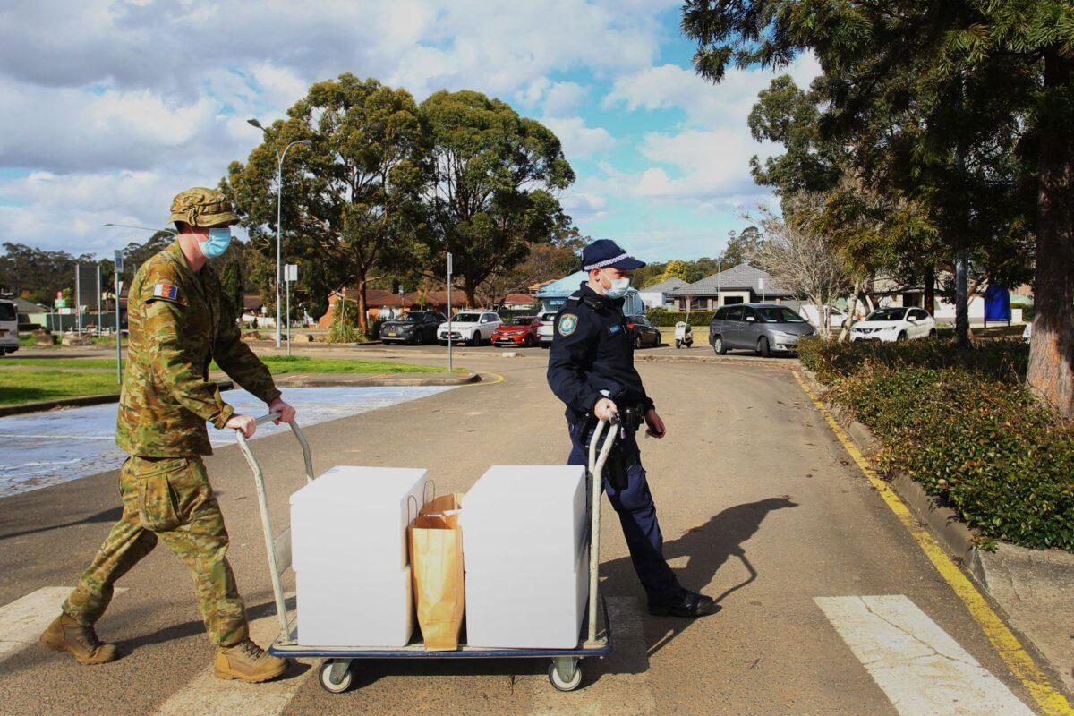 Militares se unen para hacer cumplir confinamiento por COVID-19 en Sídney, Australia