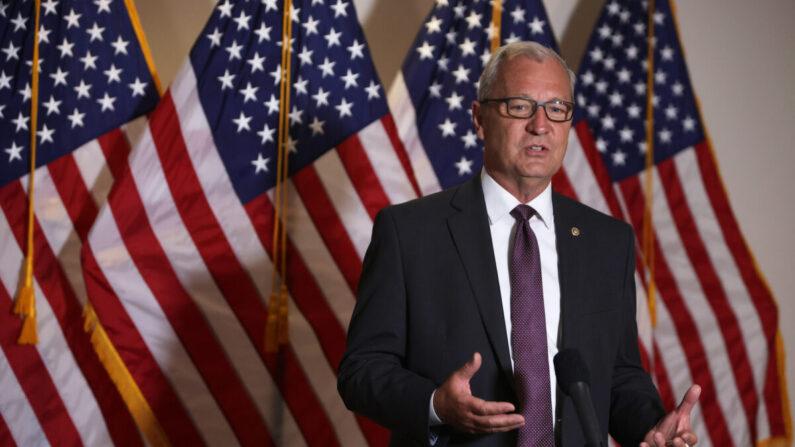 El senador Kevin Cramer (R-ND) en Capitol Hill en Washington, D.C., el 4 de agosto de 2020. (Alex Wong/Getty Images)