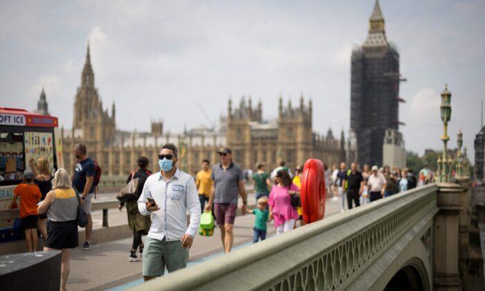 Reino Unido retira a todos los países de su lista roja de viajes