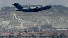 El Pentágono reconoce que hay estadounidenses 'varados' en Afganistán tras la retirada