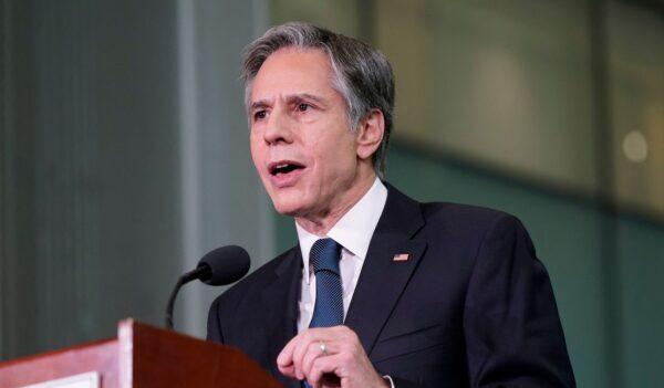 Blinken ordena al Departamento de Estado revisar plan de evacuación y reubicación de Afganistán