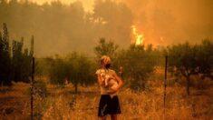 Voluntarios salvan a mascotas y animales de granja en devastador incendio en Grecia