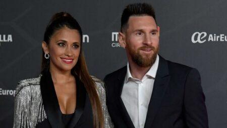 Messi no abraza a ninguna mujer en las fotos, prefiere dejarlo solo para su esposa Antonela Roccuzzo