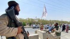 Talibanes anuncian amnistía y dicen que las mujeres pueden trabajar e ir a la universidad