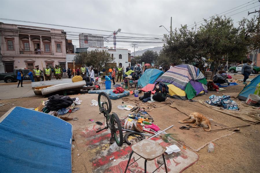 Cientos de personas varadas en la frontera agravan crisis migratoria en Chile