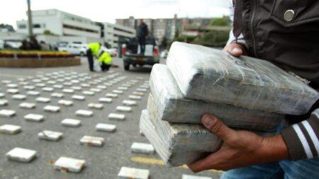 Seis colombianos se declaran culpables de enviar cocaína en narcosubmarinos