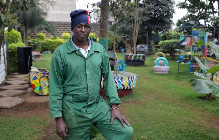 """Hombre convierte basurero de su ciudad en jardín: """"La naturaleza es buena para el bienestar mental"""""""