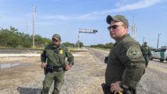 Patrulla Fronteriza de Texas descubre una habitación de hotel repleta de inmigrantes ilegales