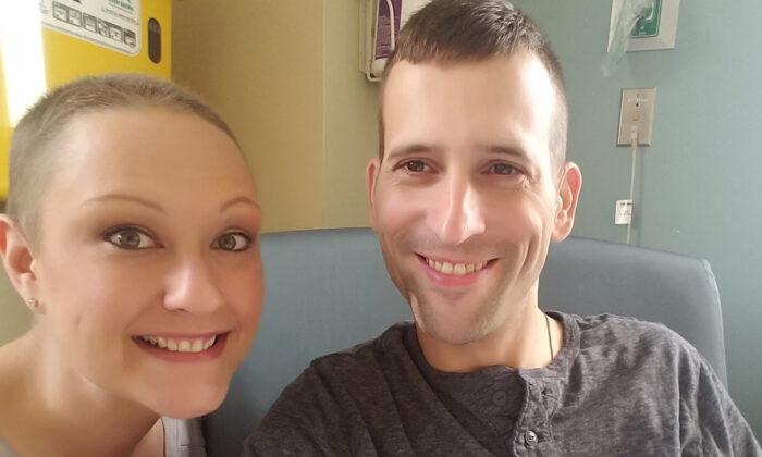 Pareja renovó sus votos matrimoniales dos veces mientras luchaba contra el cáncer